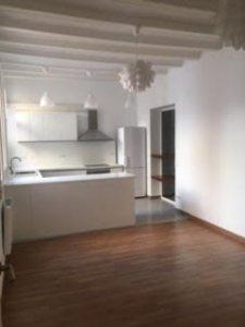 Excelente piso de tres habitaciones en Raval