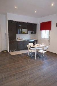 Magnífico piso de dos habitaciones en Raval