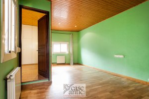 Spacious flat for sale in Raval