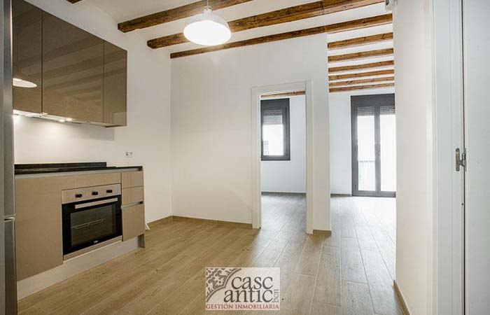 remodelled apartments for sale in El Raval (Barcelona)