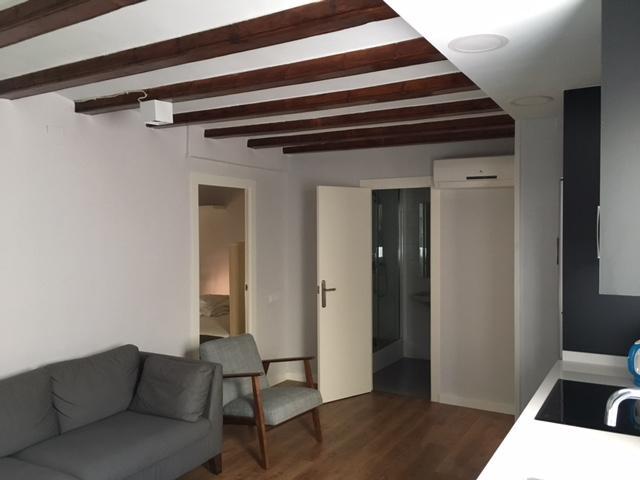 Piso de dos habitaciones en la calle Lancaster