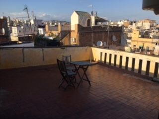 Estupendo ático con terraza