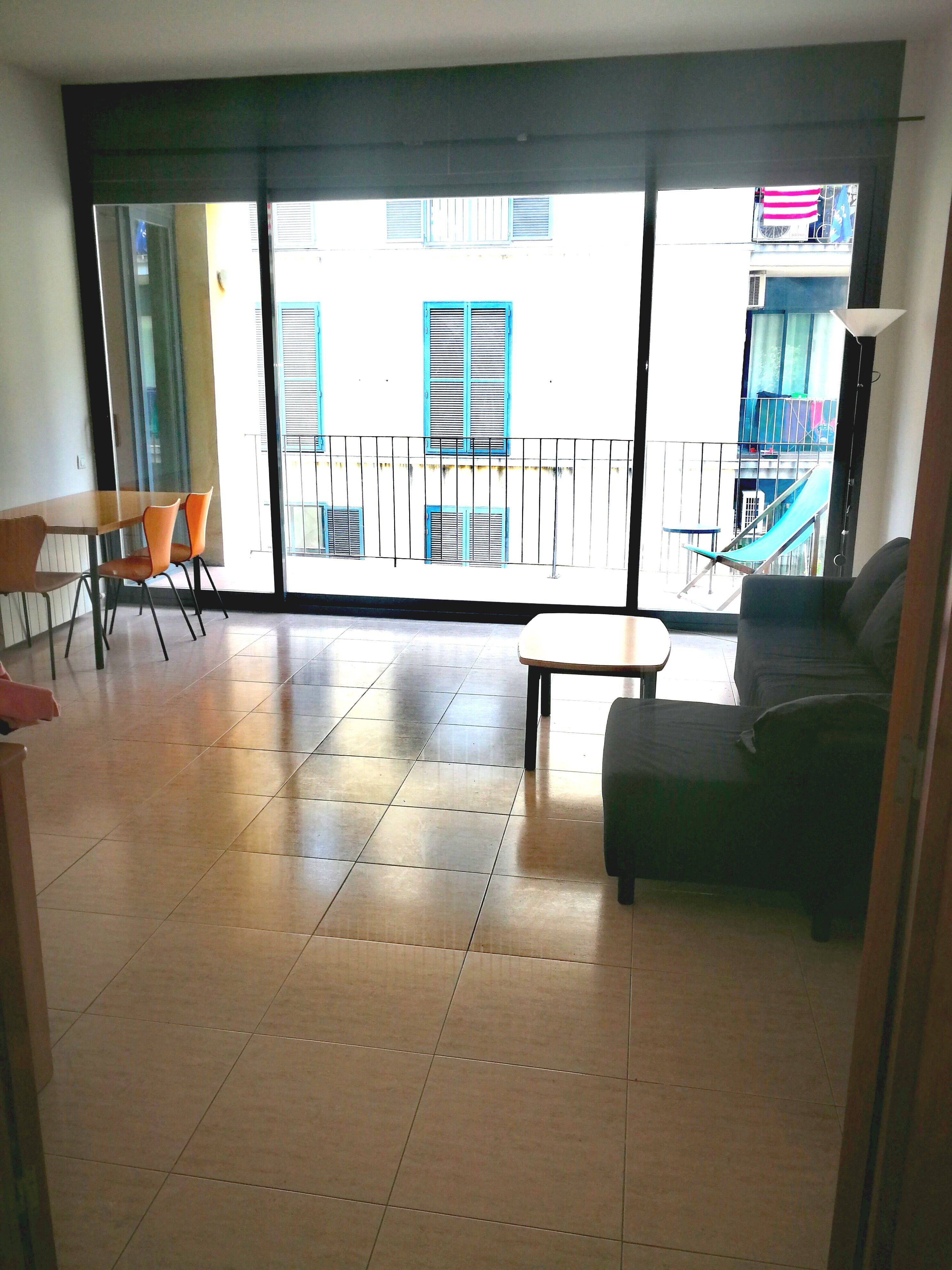 (Español) Maravilloso piso 2 habitaciones con terraza en el Raval