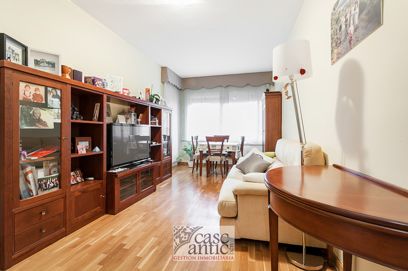 Flat w/ Elevator Balcony 2 bedrooms in Sants Montjuic