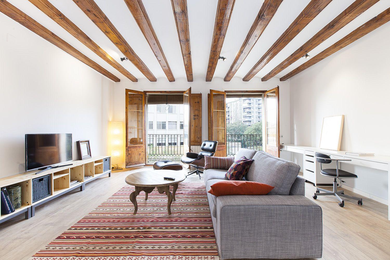 (Español) Espectacular piso muy luminoso zona M. Drassanes
