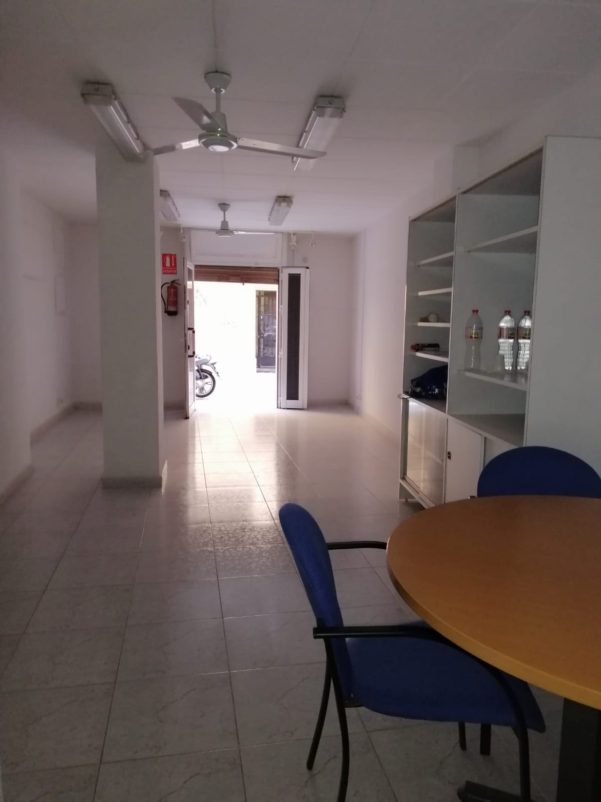 (Español) Local de 40m2 en Hospitalet