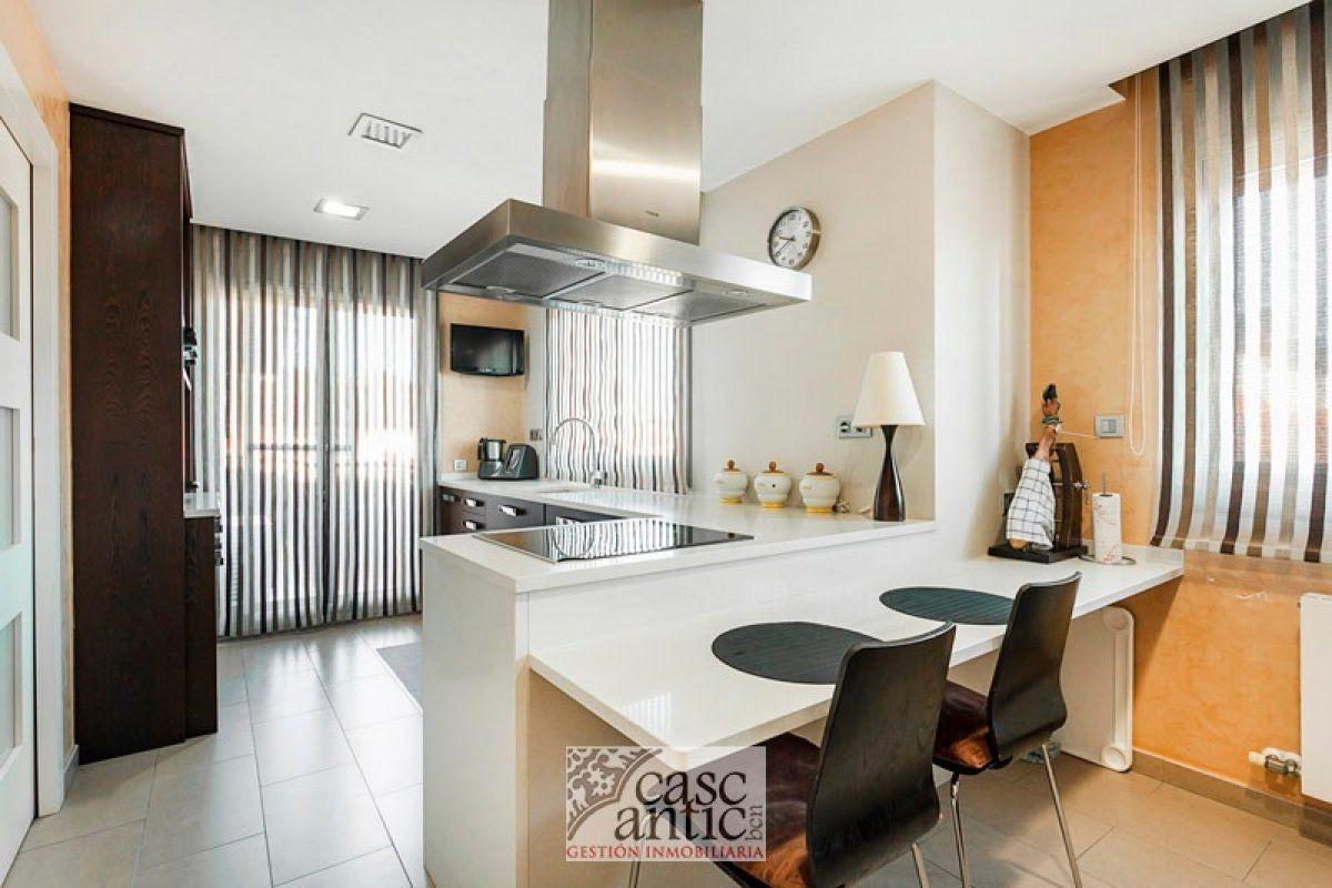 Dos pisos individuales en una fantástica y impresionante casa