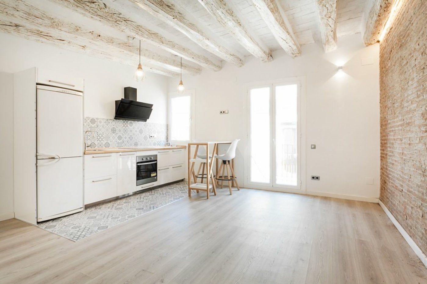 (Español) Luminoso piso tipo Loft.