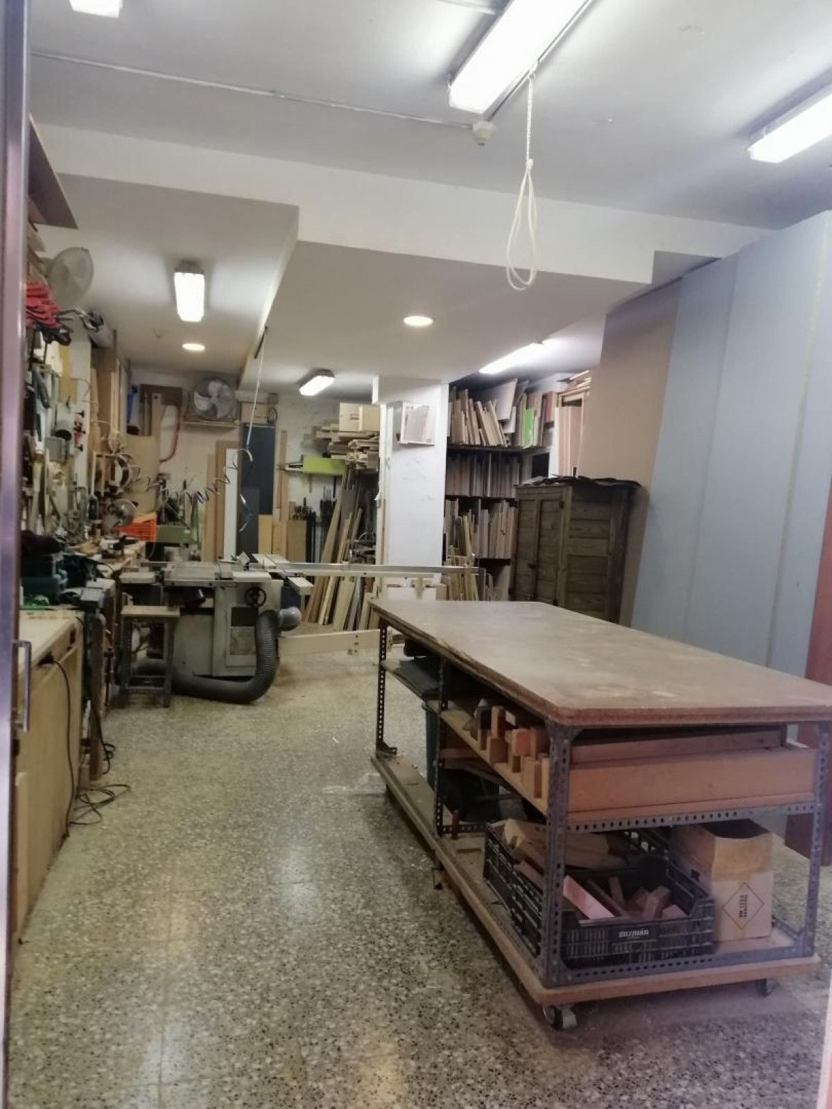 Store in good condition 68m2 Hospitalet
